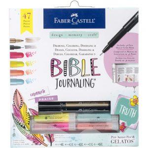 Faber-Castell Bible Journaling Set FC770410 bestaat uit die cuts, mache paper, instructieboekje, stickers, gelatos, pitt pennen en stencils
